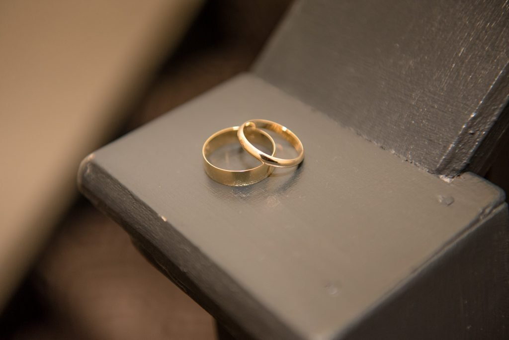 The wedding rings at the cromwell hotel