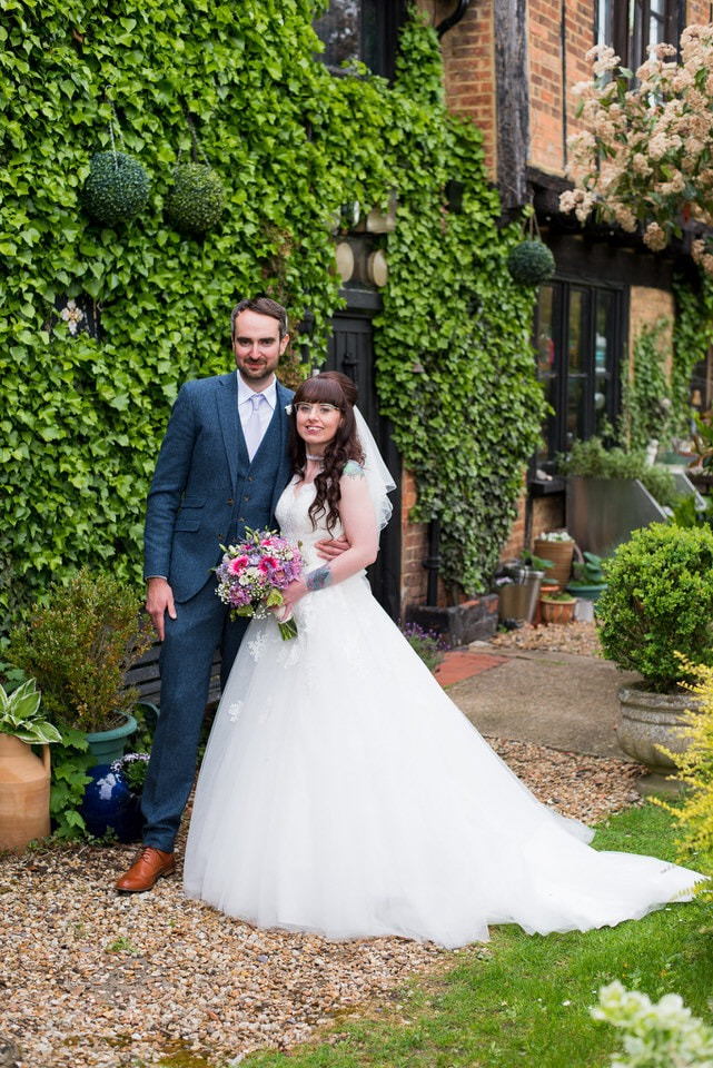 Wedding photos with the bride and groom at Moreteyne Manor