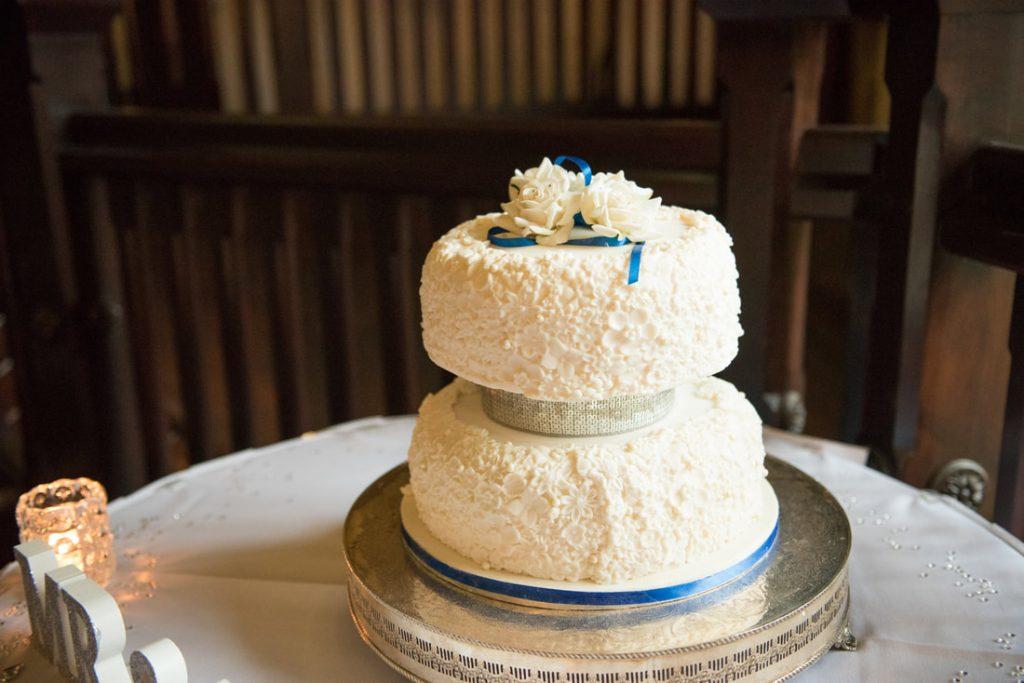 The gorgeous wedding cake