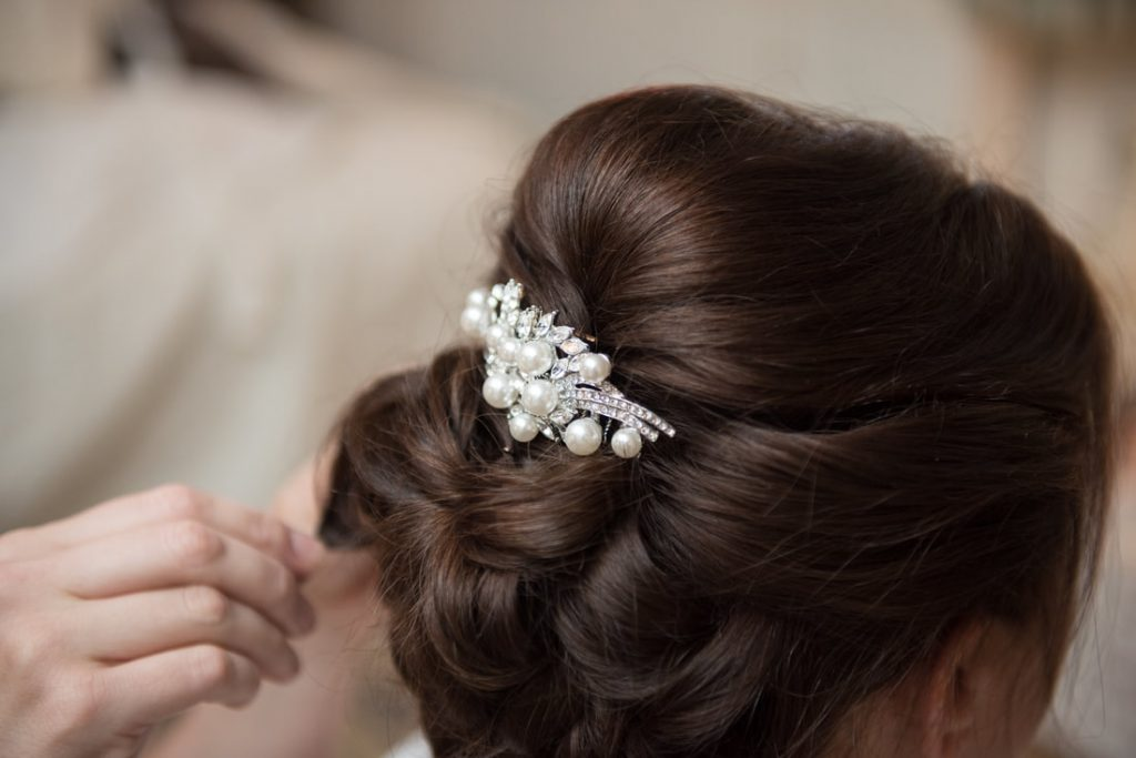 The bridal hairpiece