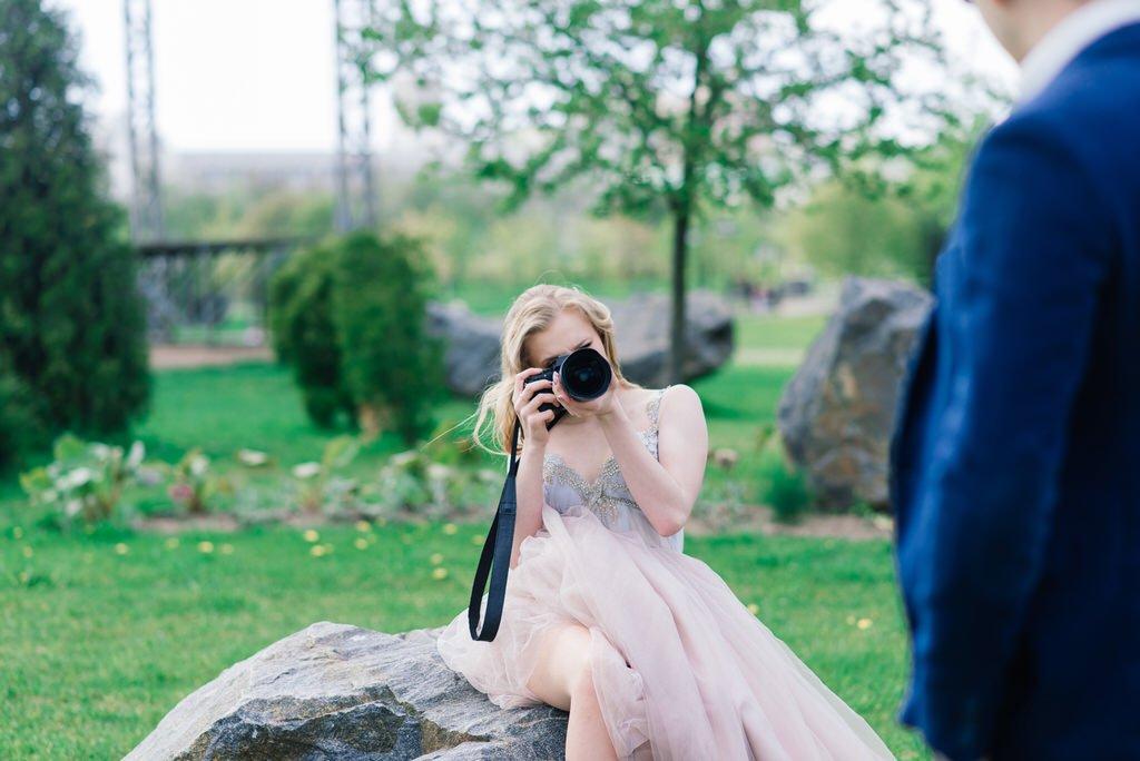 photobombed at weddings